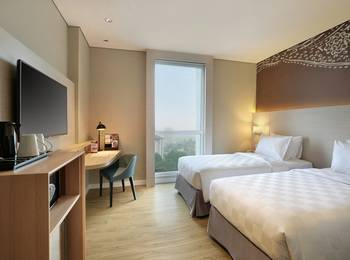 Swiss-Belinn Saripetojo Solo - Deluxe Twin Bed - Room Only 5Mile Deal  - 30% OFF