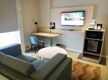 Swiss-Belinn Saripetojo Solo - Junior Suite Regular Plan