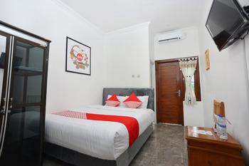OYO 634 Elga Sastro Inn Syariah Yogyakarta -  Standard Double Room Regular Plan