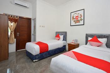 OYO 634 Elga Sastro Inn Syariah Yogyakarta - Standard Twin  Room Regular Plan