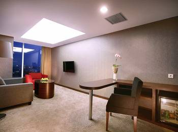 Aston Madiun Hotel Madiun - Junior Suite Room with Breakfast Regular Plan