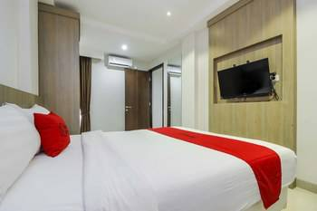 RedDoorz Plus @ TB Simatupang Jakarta - RedDoorz Room with Breakfast Regular Plan