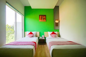 OYO 770 De Nearby Hotel Manado - Standard Twin Room Regular Plan