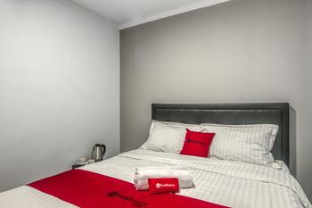 RedDoorz Plus @ Cideng Timur Jakarta - RedDoorz Room Basic Deal