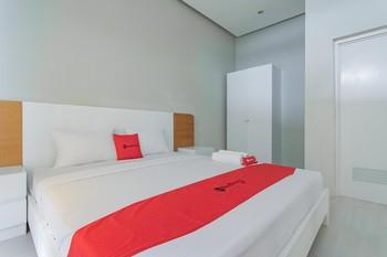 RedDoorz Resort Syariah @ Idelansia Home Stay Ciater Subang - RedDoorz SALE Regular Plan