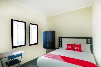 OYO 3354 Homia Residence Tangerang Selatan - Deluxe Double Room Promotion