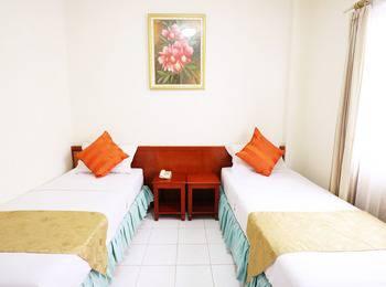 Pasah Asi Surabaya - Superior Room with Breakfast Last Minute Deal