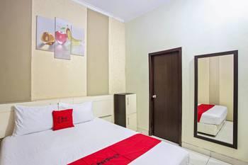 RedDoorz near Adisucipto Airport 3 Yogyakarta - RedDoorz Room Last Minute