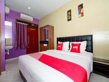 OYO 2095 Wisma Daun Solo - Standard Double Room Regular Plan