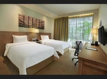 Hilton Garden Inn Bali Ngurah Rai Airport - Kamar, 1 tempat tidur king, pemandangan kolam renang Regular Plan