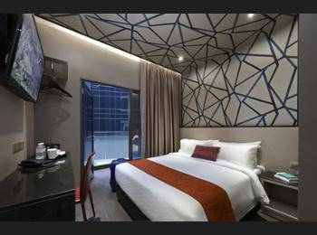 Hotel Boss Singapore - Superior Double Balcony 2 Pax NC Hemat 5%