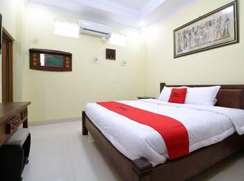 RedDoorz Plus @ Maguwo Yogyakarta - RedDoorz Room Last Minute