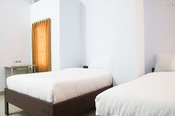 Tanah Tinggi Guest House Ambon - Deluxe Twin Room Regular Plan