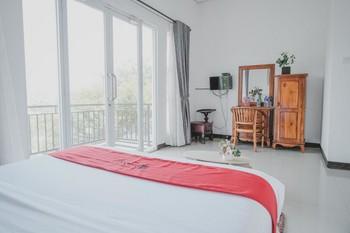 RedDoorz near Lampung Walk - Kamar Premium dengan Sarapan Best Deal