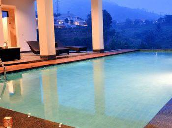 Indah Villa Dago Private Pool