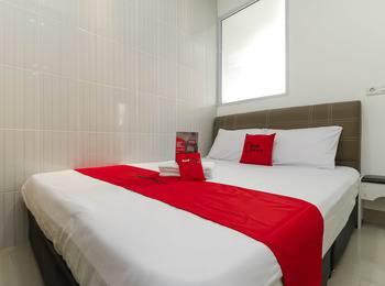 RedDoorz near Nagoya Hill Batam - RedDoorz Room Regular Plan