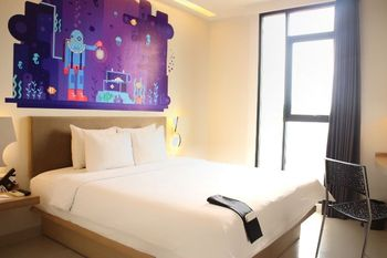 Regantris Hotel Surabaya by Royal Singosari Surabaya - S Room - Room Only Regular Plan