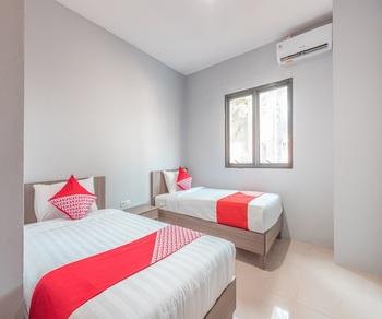 OYO 1329 Tanjung Pakuan Bogor - Standard Twin Room Regular Plan