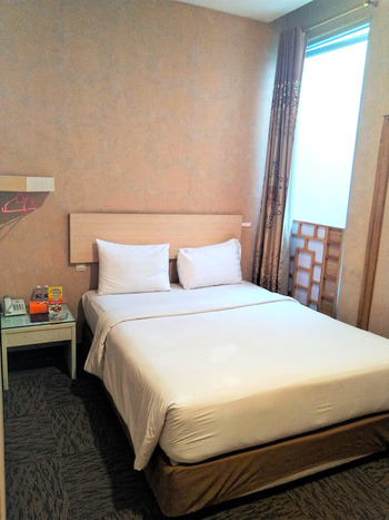 Mine Home Hotel Bandung - Standard Room With Breakfast Regular Plan