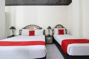 RedDoorz Syariah near Malioboro Mall Yogyakarta - RedDoorz Family Room Regular Plan