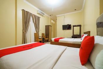 RedDoorz Plus @ Hotel Sempurna Watervang Lubuk Linggau Lubuklinggau - RedDoorz Triple Room with Breakfast Basic Deal