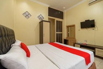 RedDoorz Plus @ Hotel Sempurna Watervang Lubuk Linggau Lubuklinggau - RedDoorz Room with Breakfast Basic Deal
