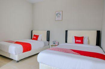 OYO 1475 Oemah Jawa Family Residence Jember - Deluxe Twin Room Early Bird