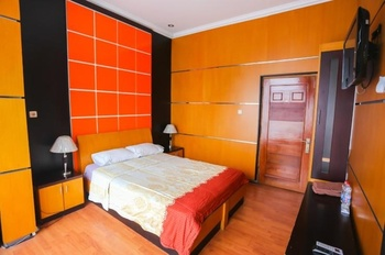 Kombokarno Hotel Malioboro Yogyakarta - Deluxe Room Only Best Deal