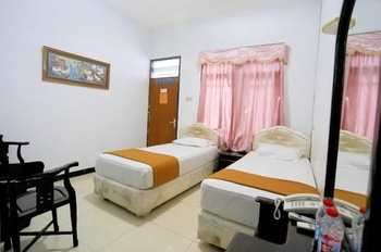 Kombokarno Hotel Malioboro Yogyakarta - Superior Twin Room Only Best Deal