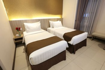 Teraskita Hotel Jakarta Managed by Dafam - Deluxe Twin Room With Breakfast Regular Plan