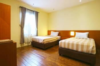 Villa Gardenia Bandung - 2 Bedroom Standard Room Last Minute Deal - 34% Off