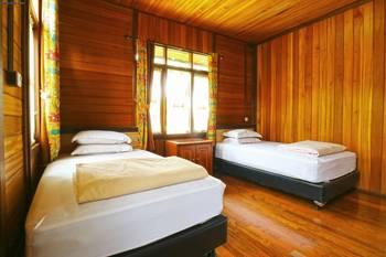 Villa Gardenia Bandung - Deluxe 4 Bedroom Villa Last Minute Deal - 34% Off