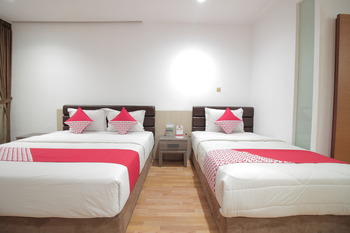 OYO 229 Hi Quality Bandung - Suite Triple  Regular Plan