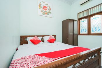 OYO 1439 Gang Guest Homestay Tuban - Standard Double Room Regular Plan