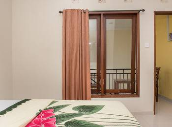 RedDoorz @Dewi Sri Street Bali - RedDoorz Room Regular Plan