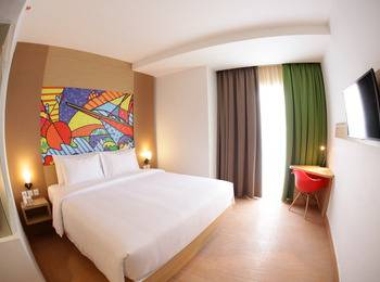 MaxOneHotels at Resort Delia Makassar - Max Happiness Double Room Only  Regular Plan