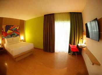 MaxOneHotels at Resort Delia Makassar - Warm Room With Breakfast Regular Plan
