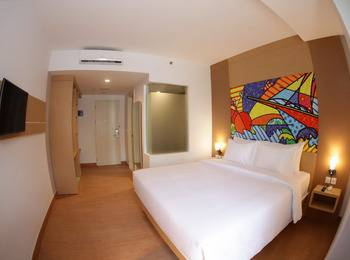 MaxOneHotels at Resort Delia Makassar - Max Happiness Double With Breakfast Regular Plan