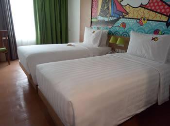 MaxOneHotels at Resort Delia Makassar - Love Room With Breakfast Regular Plan