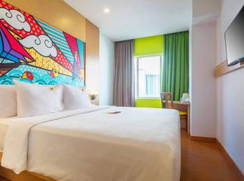 MaxOneHotels at Resort Delia Makassar - Happiness Double Room Only  Basic Deal