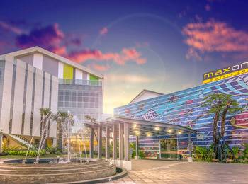 MaxOneHotels at Resort Delia Makassar