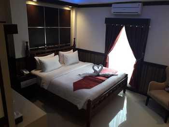 Benhur Hotel Padang - Super Deluxe Room Only Regular Plan