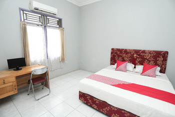 OYO 1685 Garuda Guest House Balikpapan - Standard Double Room Regular Plan