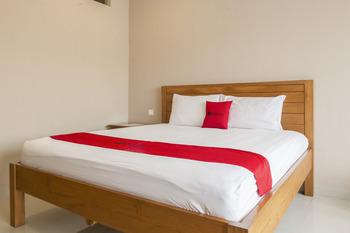 RedDoorz @ Gunung Sanghyang Kerobokan Bali - RedDoorz Room Basic Deal