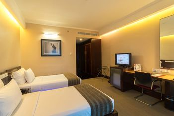 Manhattan Hotel Jakarta - Executive Twin Room Only Regular Plan