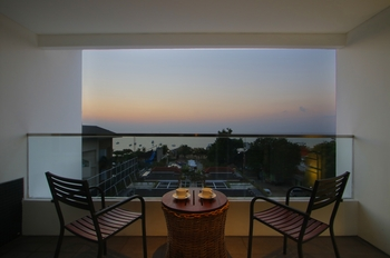 Benoa Sea Suites and Villas by Premier Hospitality Asia Bali - Premimum Suite Room Breakfast Last Minutes
