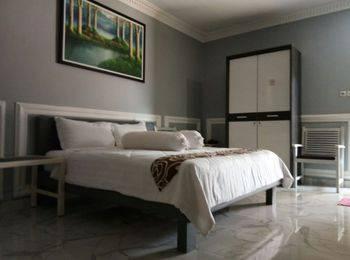 Ayeng Mandiri Hotel Probolinggo - VIP Room Regular Plan