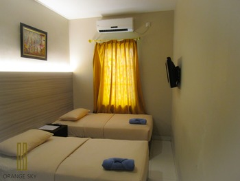 Sky Inn Hotel Batam - Express Twin - Room Only Regular Plan