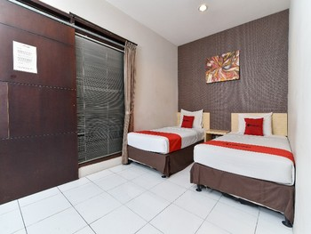 RedDoorz Plus @ Raya Legian Bali - RedDoorz Twin Room Last Minute Deal