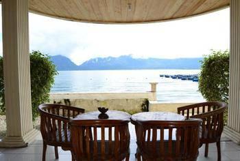 Tan Dirih Hotel Maninjau Agam - Standard Lake View Regular Plan